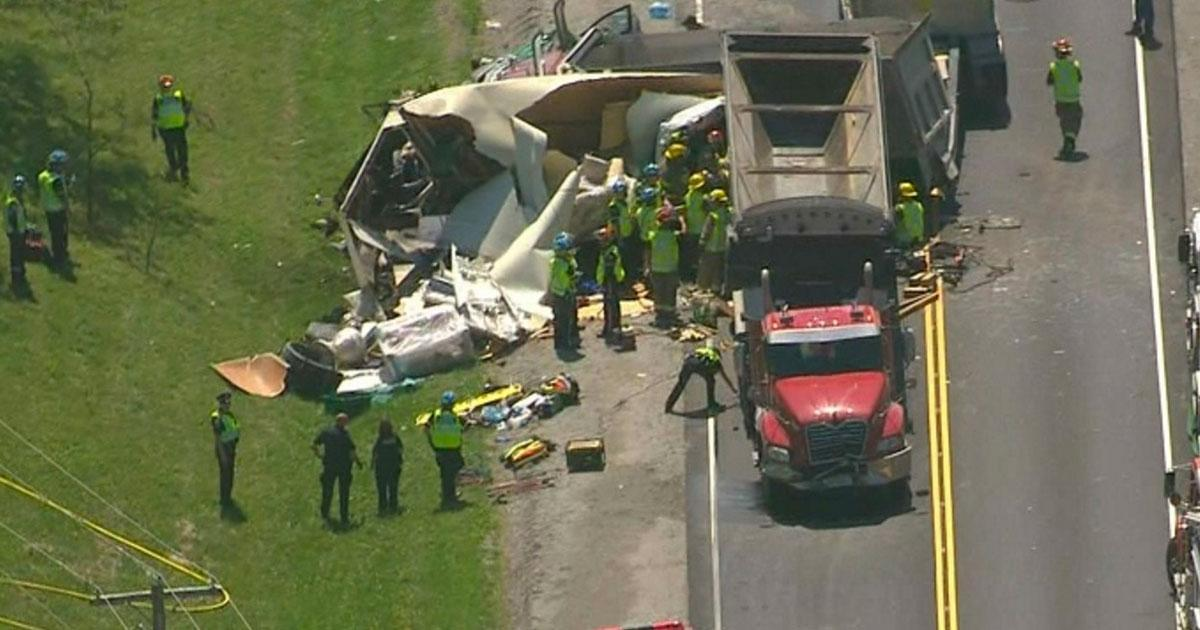 Au moins 2 morts dans un important accident impliquant des camions