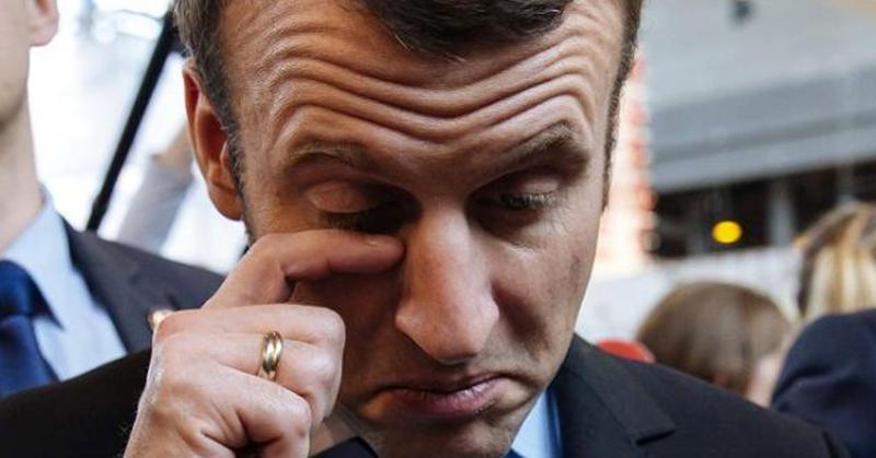 Quand le garde du corps d'Emmanuel Macron l'insulte en public, « Enfoiré », « Oh le salaud » (Vidéo)