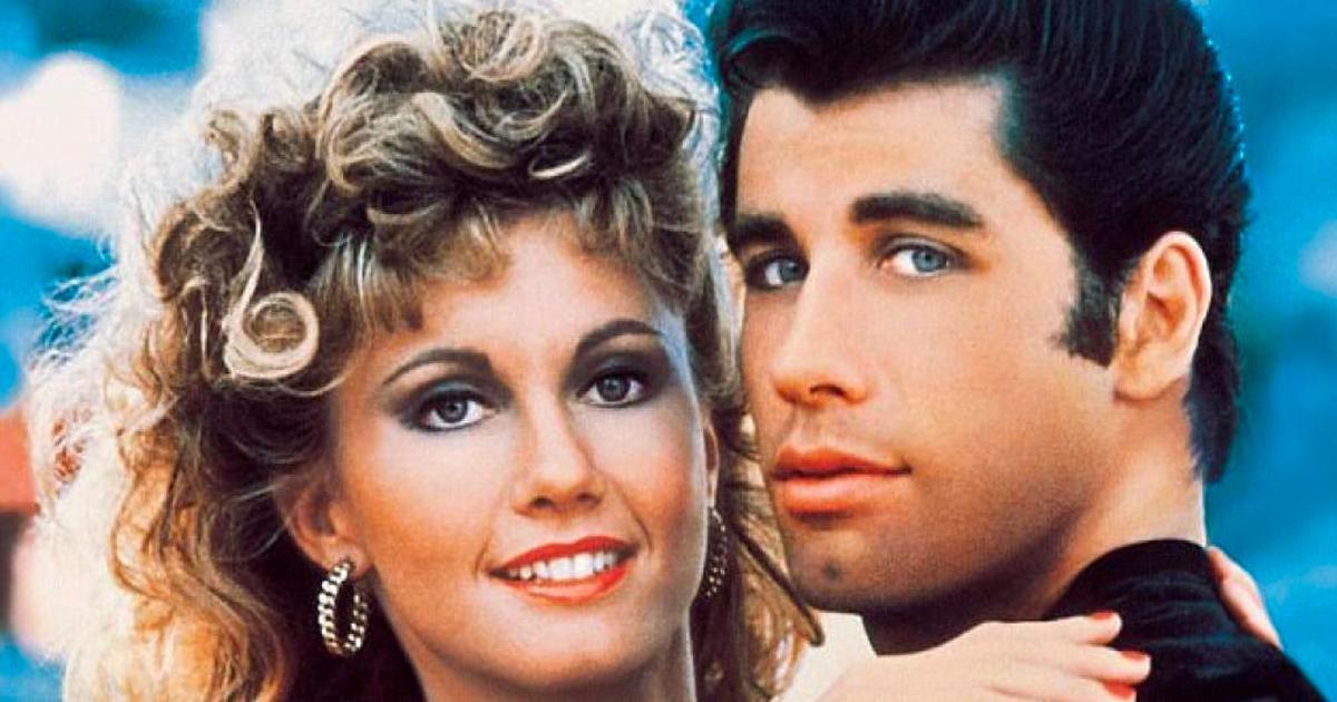 John Travolta et Olivia Newton-John se réunissent 40 ans après Grease et ils sont toujours aussi magnifiques.