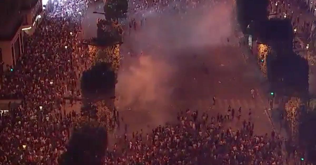 Au moins deux morts en France pendant les célébrations de la Coupe du Monde