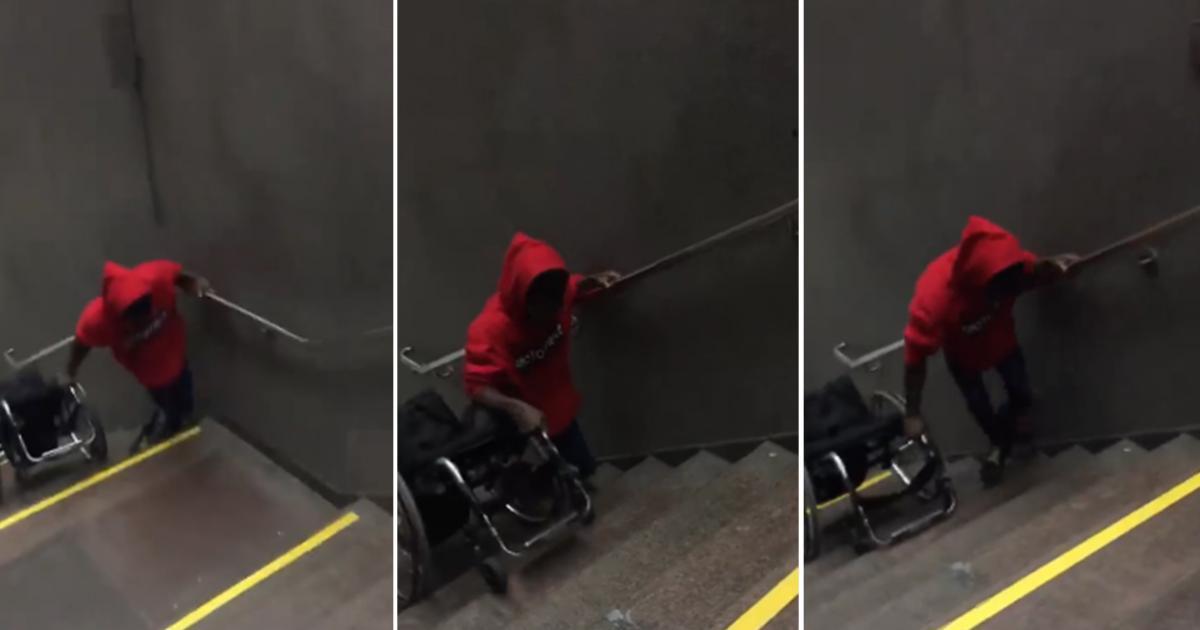 Un handicapé forcé de tirer sa chaise roulante sans aide pour monter les escaliers du métro de Montréal