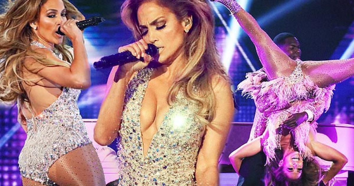 Malgré cette prestation enflammée aux Grammys, Jennifer Lopez est gravement critiquée.