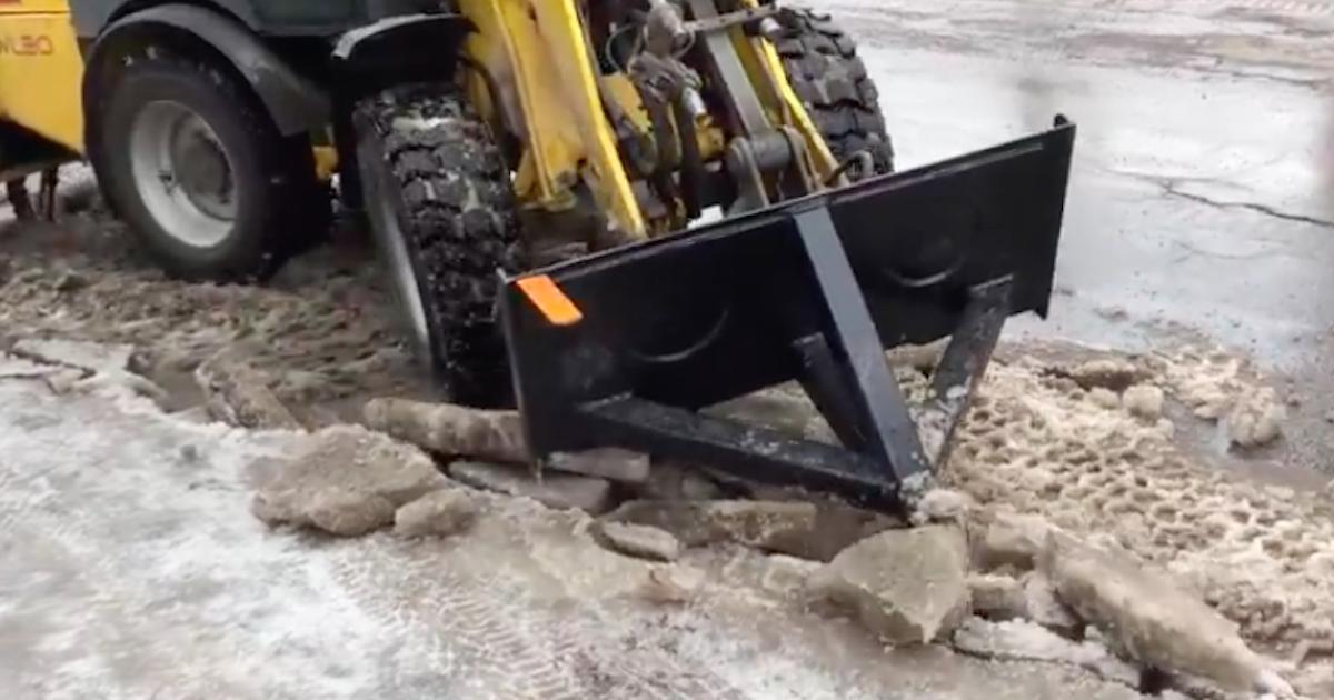 Un homme invente une machine pour empêcher les inondations dans les rues et les trottoirs de Montréal.