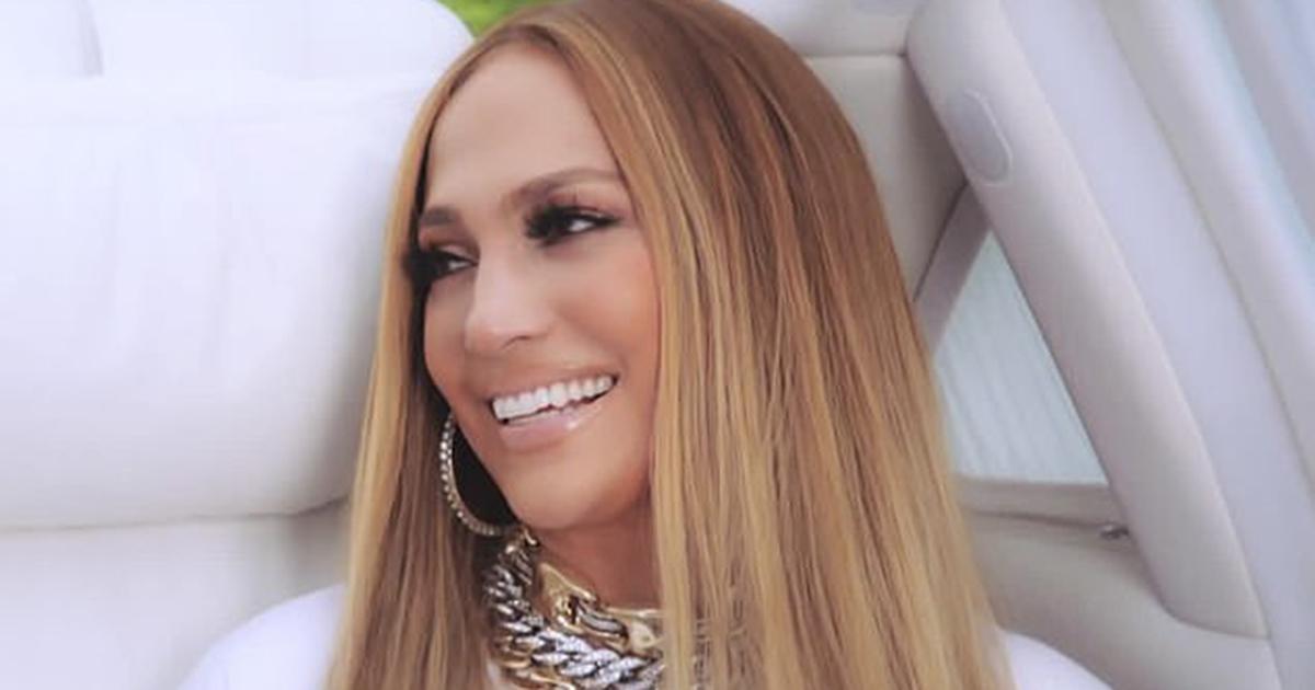 Le «pantalon-string» de Jennifer Lopez suscite une fois de plus la controverse