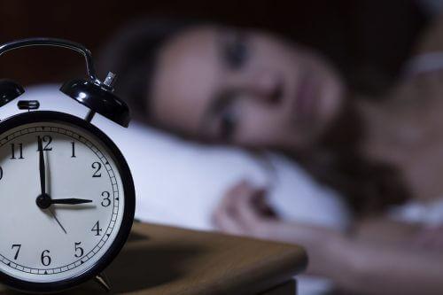 9 choses à éviter avant d'aller dormir — Améliore ta Santé