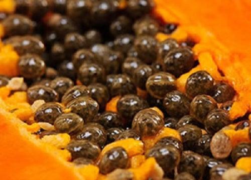 Les graines de papaye : quels sont leurs 5 bienfaits principaux.