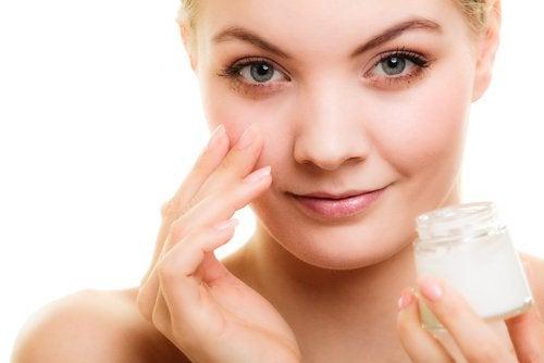 5 conseils pour prévenir les rides du contour des yeux — Améliore ta Santé