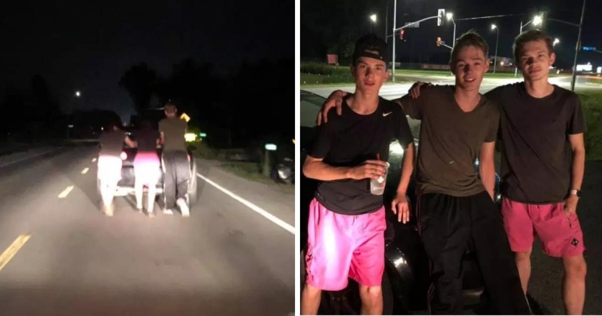 Une conductrice en panne reçoit l'aide de 3 adolescents qui poussent son véhicule durant plus de 90 minutes