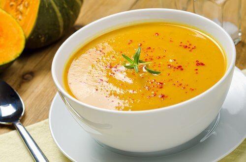 La soupe aide à brûler les graisses — Améliore ta Santé