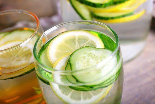 L'eau de concombre : une boisson détoxifiante, diurétique et amincissante — Améliore ta Santé