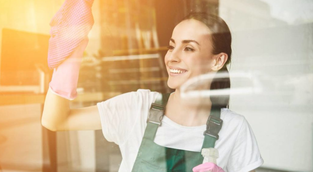 Faire appel à une femme de ménage : quel avantage fiscal ?