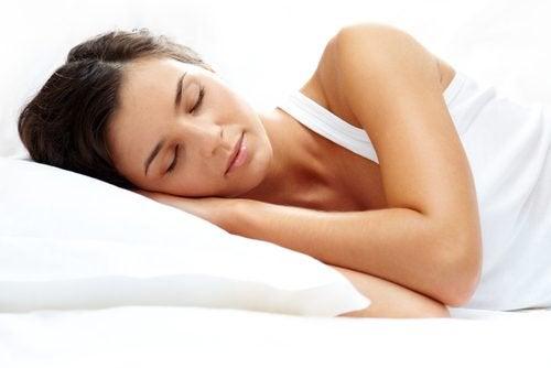 6 boissons naturelles pour mieux dormir — Améliore ta Santé