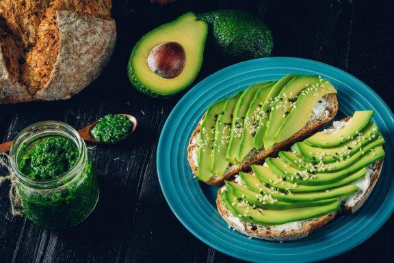 Les aliments contenant des huiles naturelles que vous pouvez consommer pendant un régime — Améliore ta Santé