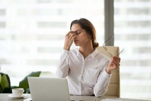 Fatigue oculaire numérique : l'impact des écrans — Améliore ta Santé
