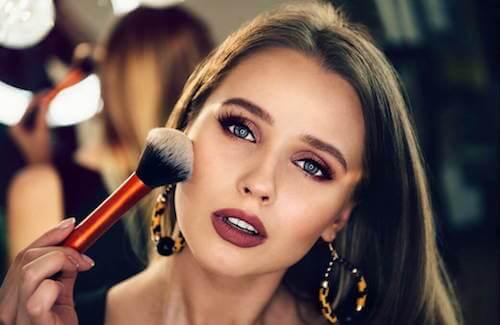 Si vous êtes débutante, choisissez ce maquillage — Améliore ta Santé