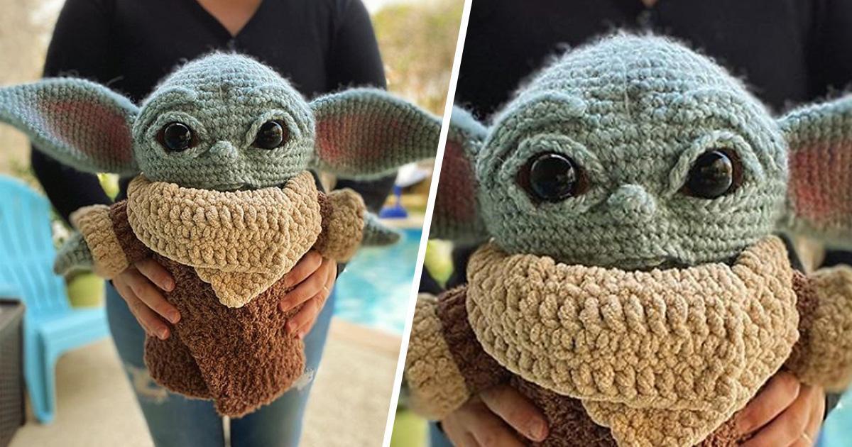 Elle crée un adorable Bébé Yoda au crochet et invite les gens à faire de même!