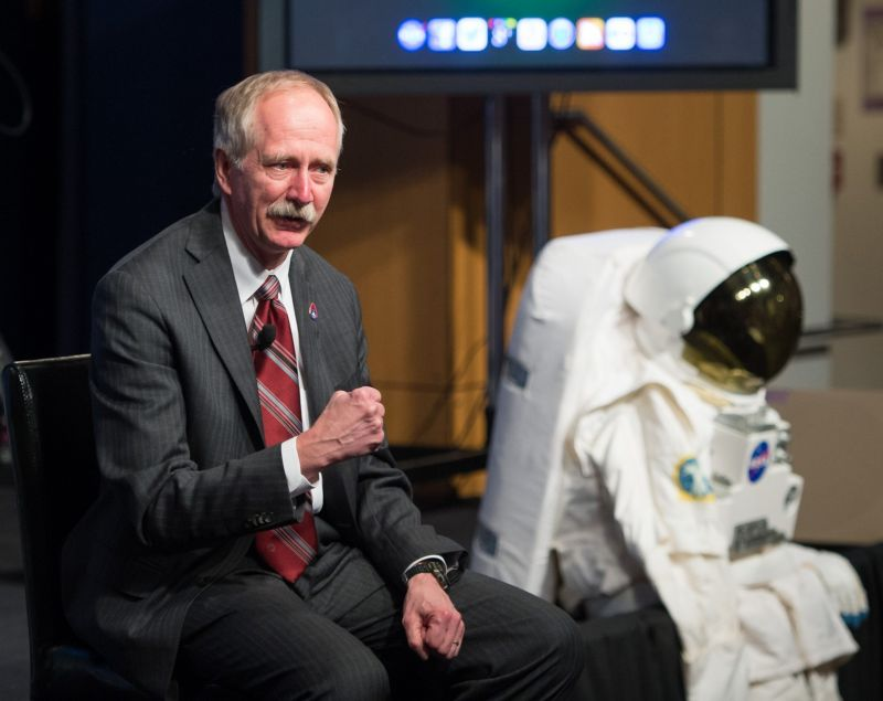 SpaceX s'offre les services d'un grand nom de la NASA