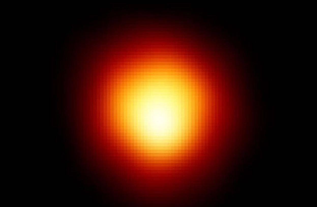 Mais enfin, que se passe-t-il avec l'étoile Bételgeuse ?