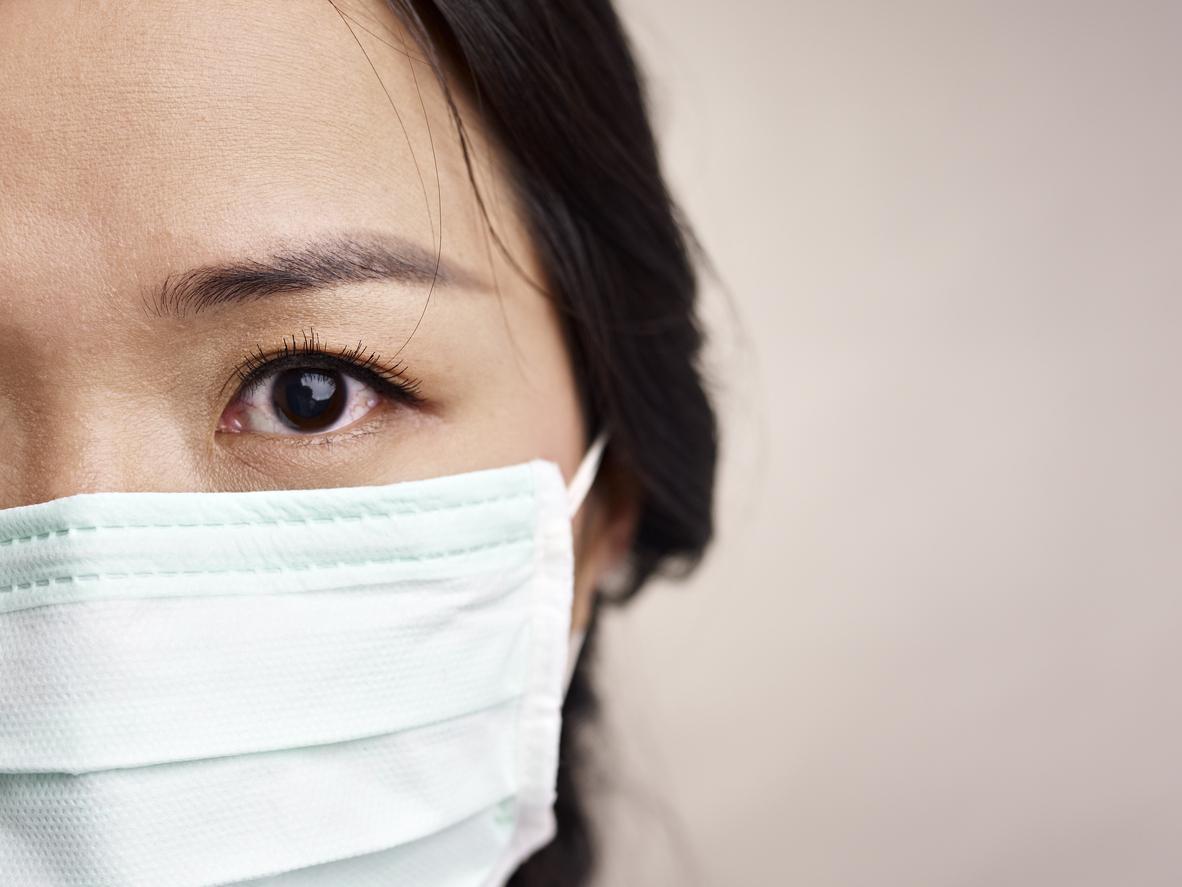 Covid-19 : la diffusion de l'épidémie ralentit en Chine, un premier décès et un 12e cas en France