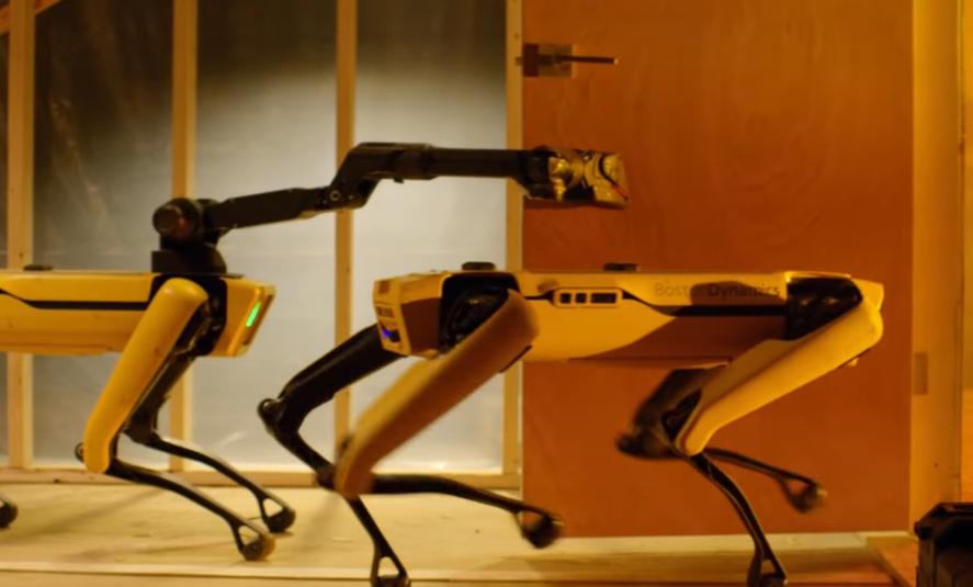 """Le robot Spot de Boston Dynamics """"embauché"""" sur une plateforme pétrolière !"""