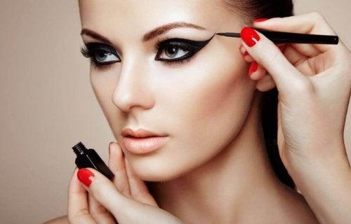 7 secrets de maquillage pour être éblouissante — Améliore ta Santé