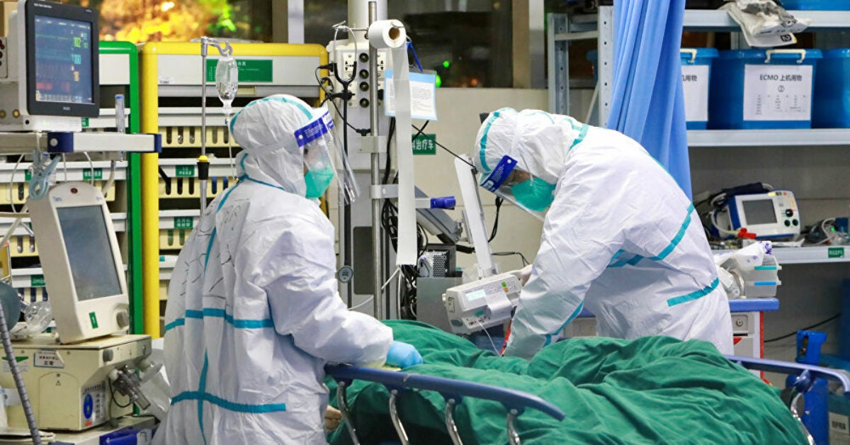 """""""Le chiffre est énorme"""" Plus de 6000 médecins contaminés par le nouveau Coronavirus"""