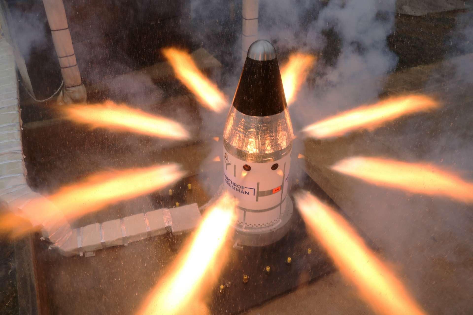 Vidéo : test spectaculaire du système d'abandon de la capsule Orion en vue d'un retour sur la Lune