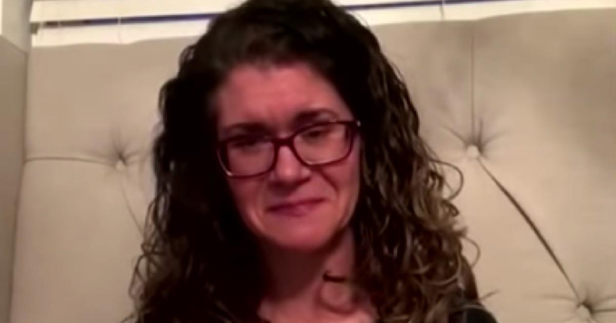 Une femme fait ses adieux par Facetime à son mari atteint du coronavirus