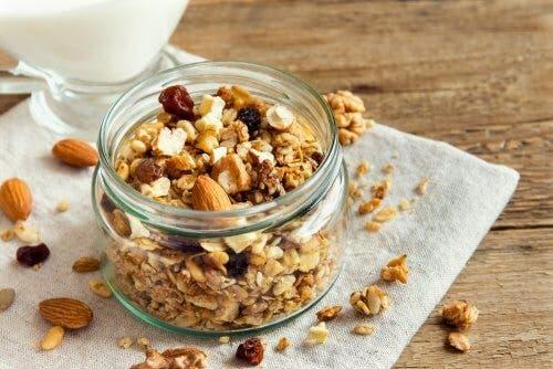 3 recettes de granola maison aux noix – Améliore ta Santé