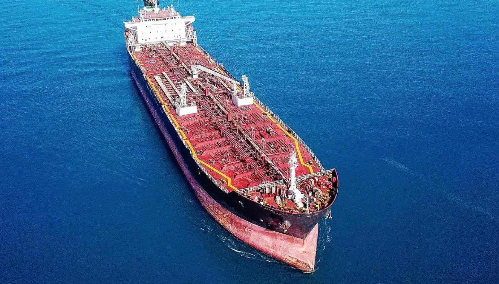 Un pétrolier abandonné transportant plus d'un million de barils menace la mer Rouge