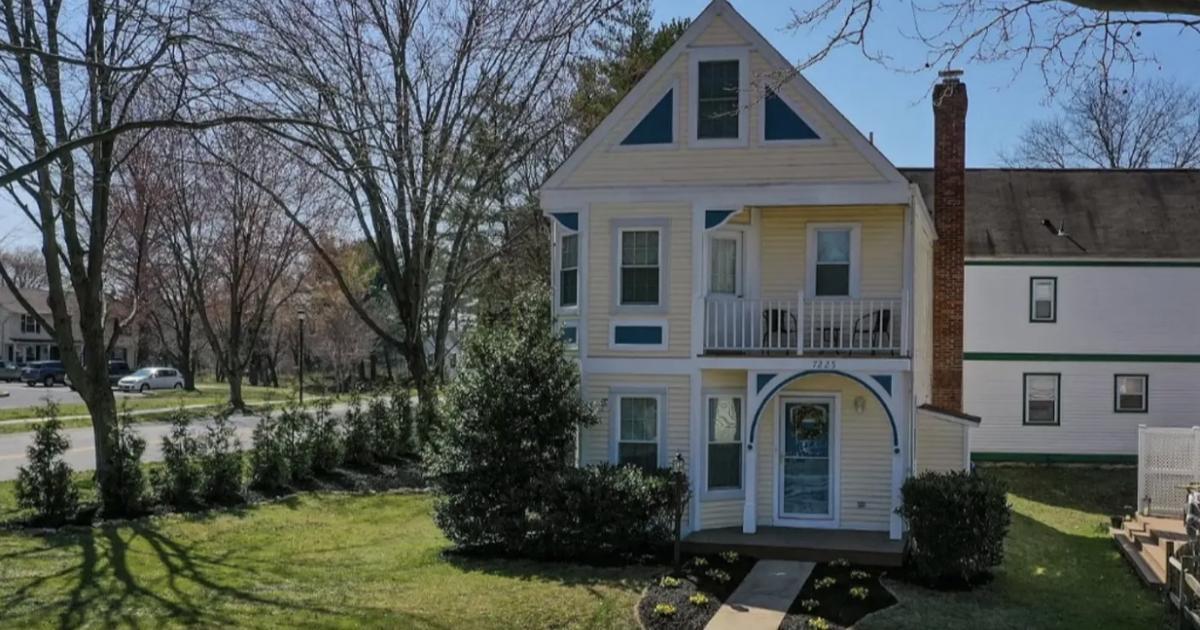 Une maison à vendre fait beaucoup parler d'elle en raison de ses escaliers complètement étranges.