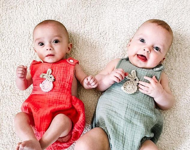 Une mère a donné naissance à des jumeaux conçus à plusieurs semaines d'intervalle !