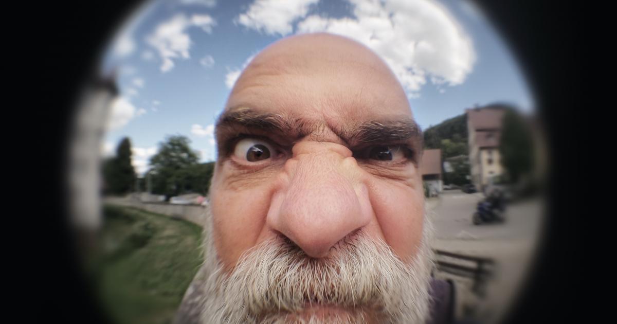 Une étude démontre que les hommes qui ont un gros nez ont tendance à avoir un gros pénis.