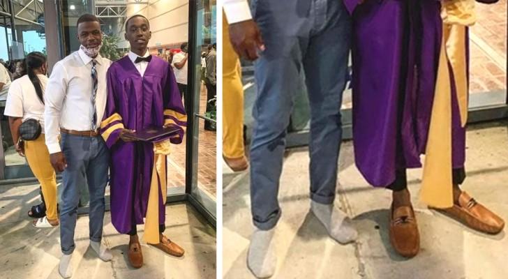 Il risque de ne pas assister à la cérémonie de remise des diplômes à cause de ses chaussures : un professeur lui prête les siennes