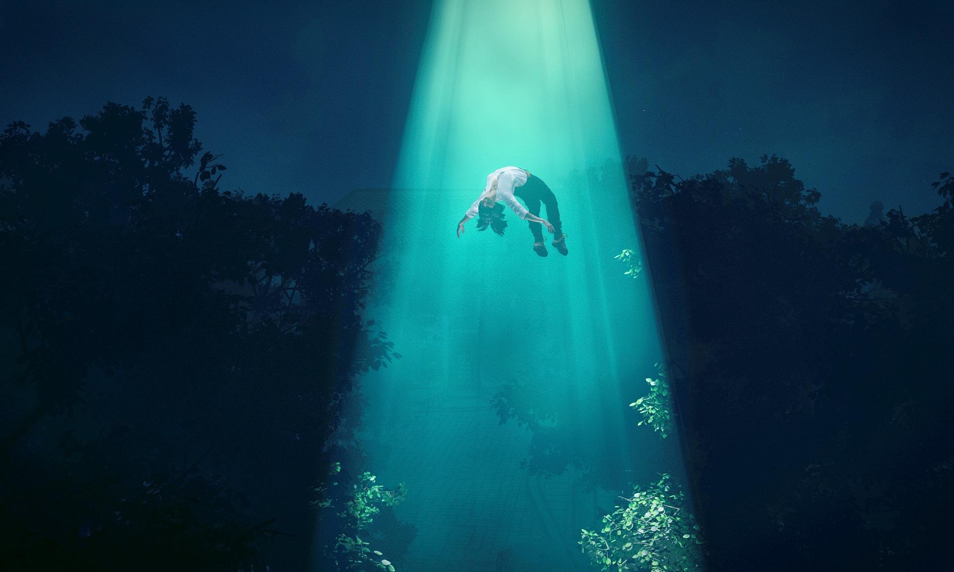 Les rêves lucides pourraient expliquer les histoires d'enlèvements extraterrestres