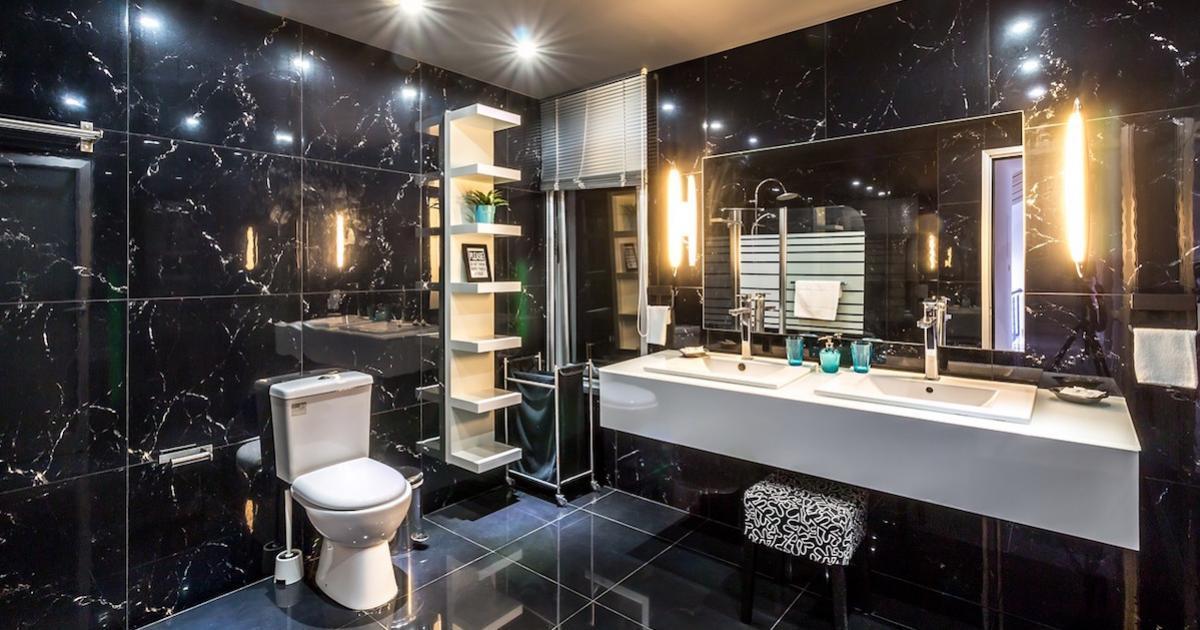 3 astuces bizarres, mais efficaces, pour faire reluire la salle de bain